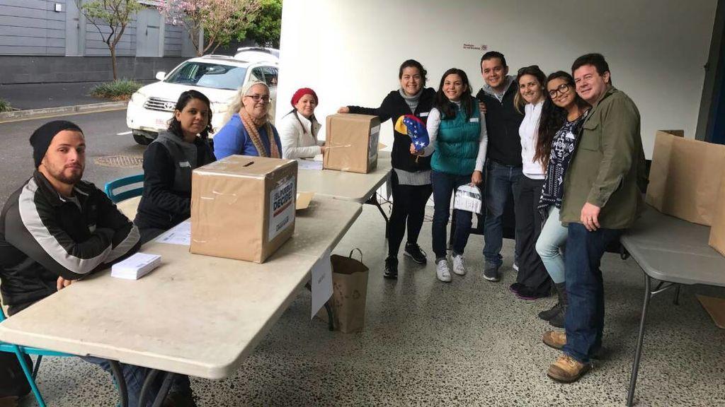 La consulta de la oposición venezolana ha comenzado en países de Oceanía y Oriente Próximo