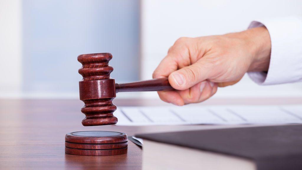 Condenados 4 jóvenes por simular un atropello en un paso de peatones para estafar al seguro