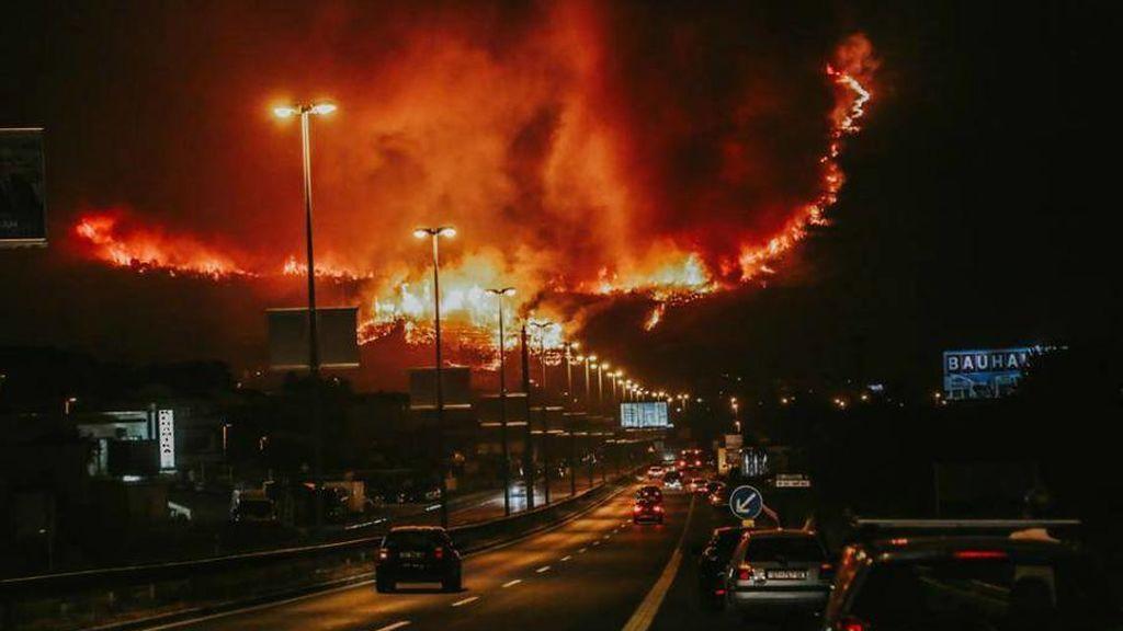 El infierno en la tierra: un incendio incontrolado está quemando un barrio entero de Croacia