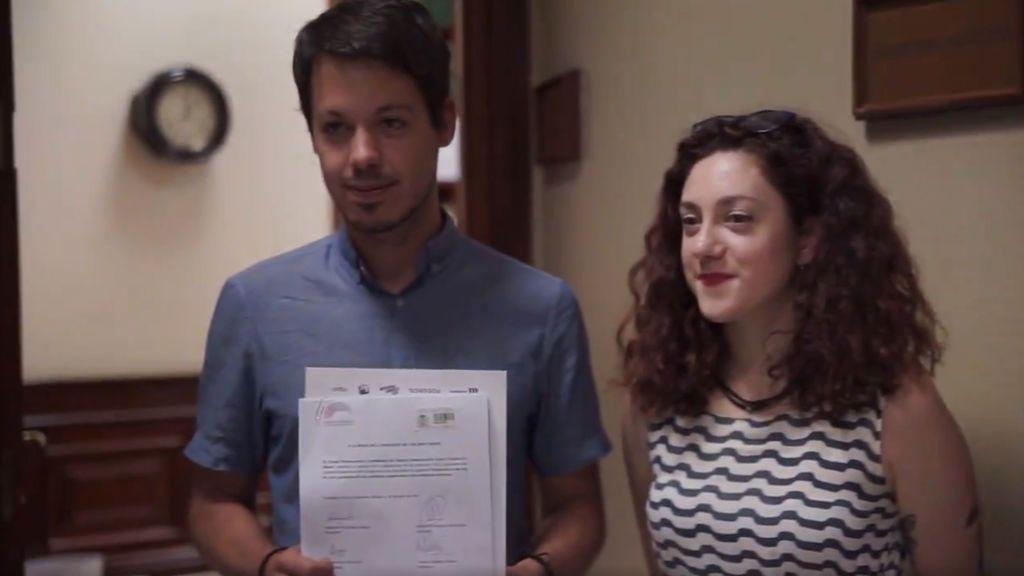 Unidos Podemos busca obligar a contratar a becarios al acabar la carrera sin poder ampliar becas