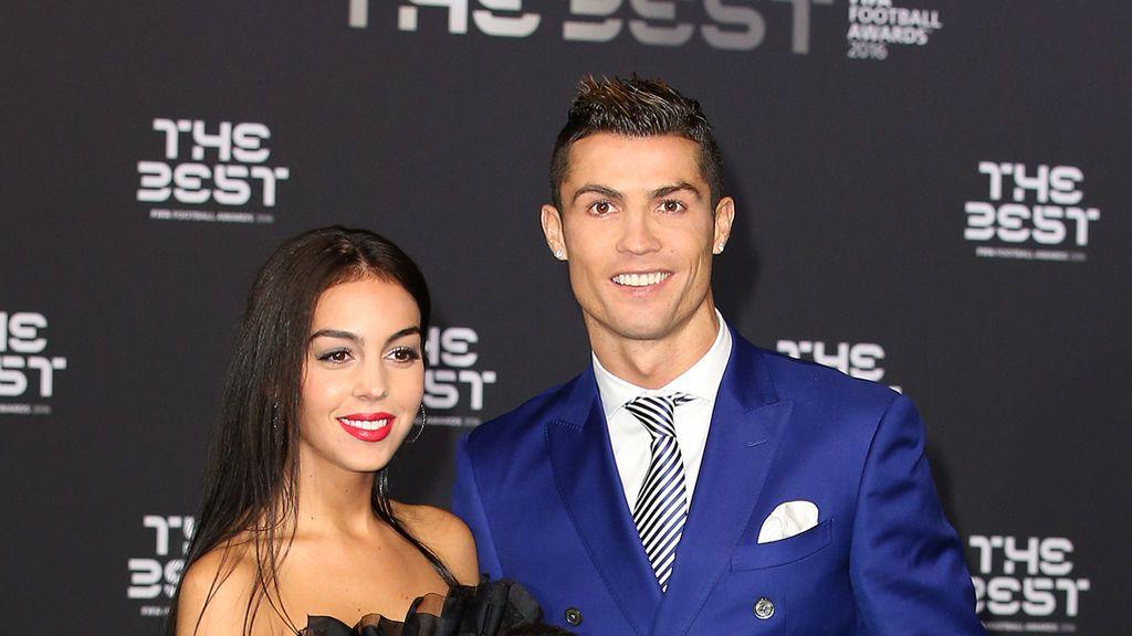 ¡Bebé a bordo! Cristiano Ronaldo confirma que él y Georgina Rodríguez esperan un hijo