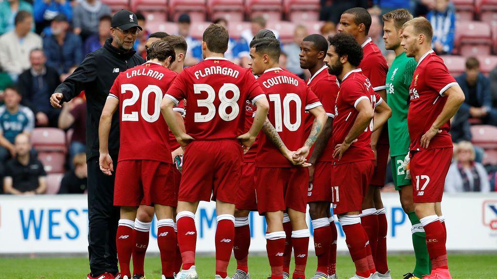 ¡El vídeo que avergüenza en Liverpool! Pasan olímpicamente de firmar autógrafos a los aficionados