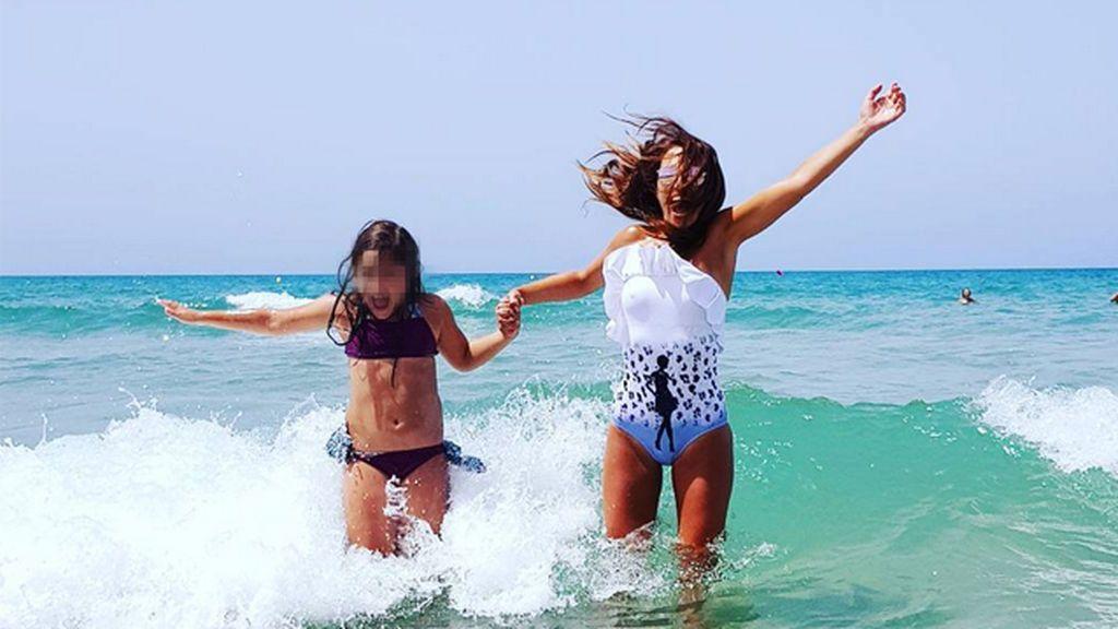 """La felicidad de vacaciones se llama Paula Echevarría: """"#MamiYDani"""" en Sancti Petri"""