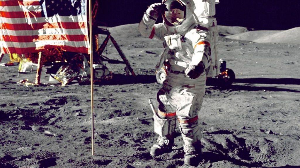 ¿Hace 48 años que el hombre llegó a la luna?: teorías que lo demuestran