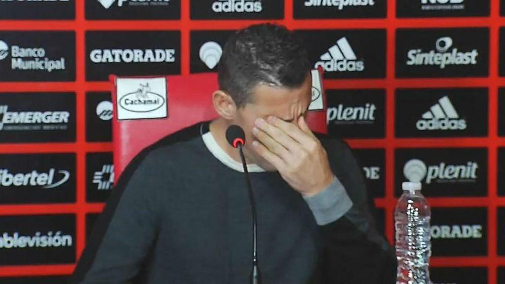 Maxi Rodríguez abandona Newells entre lágrimas por su salud
