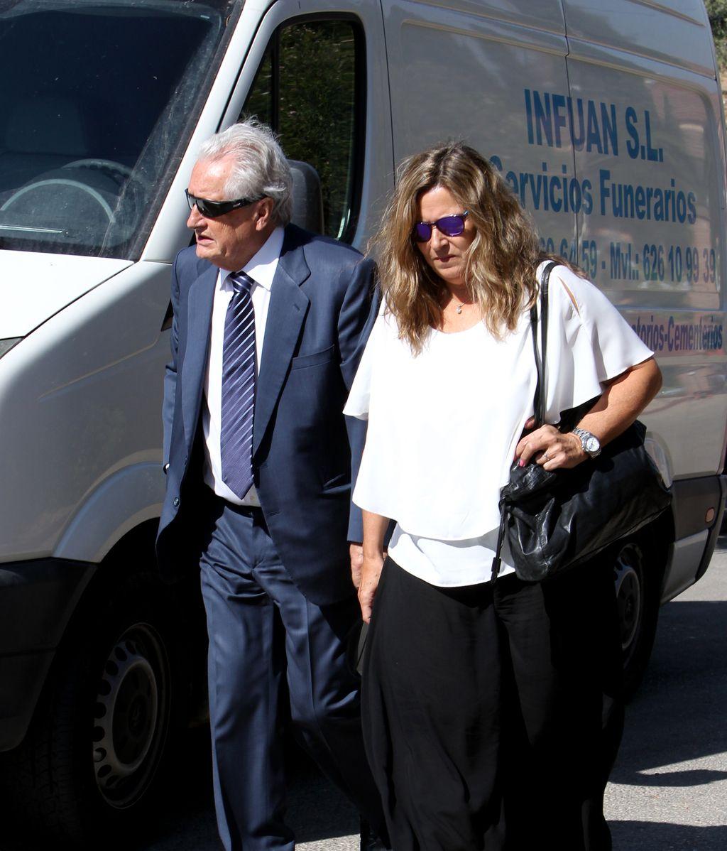 El último adiós a Miguel Blesa durante su funeral en Linares