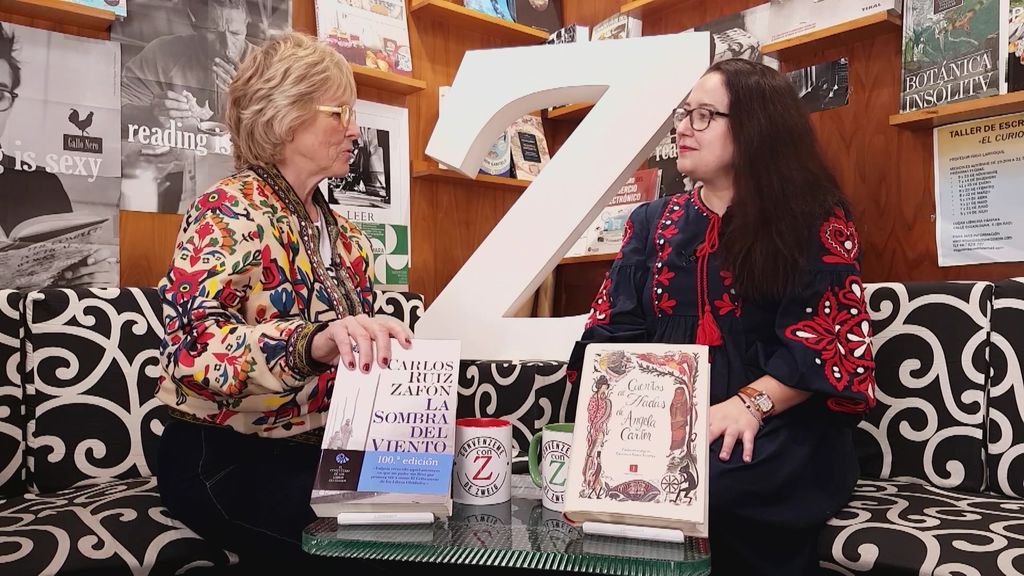 """Begoña Montehermoso nos muestra un libro sobre hadas: """"Tiene un toque feminista"""""""