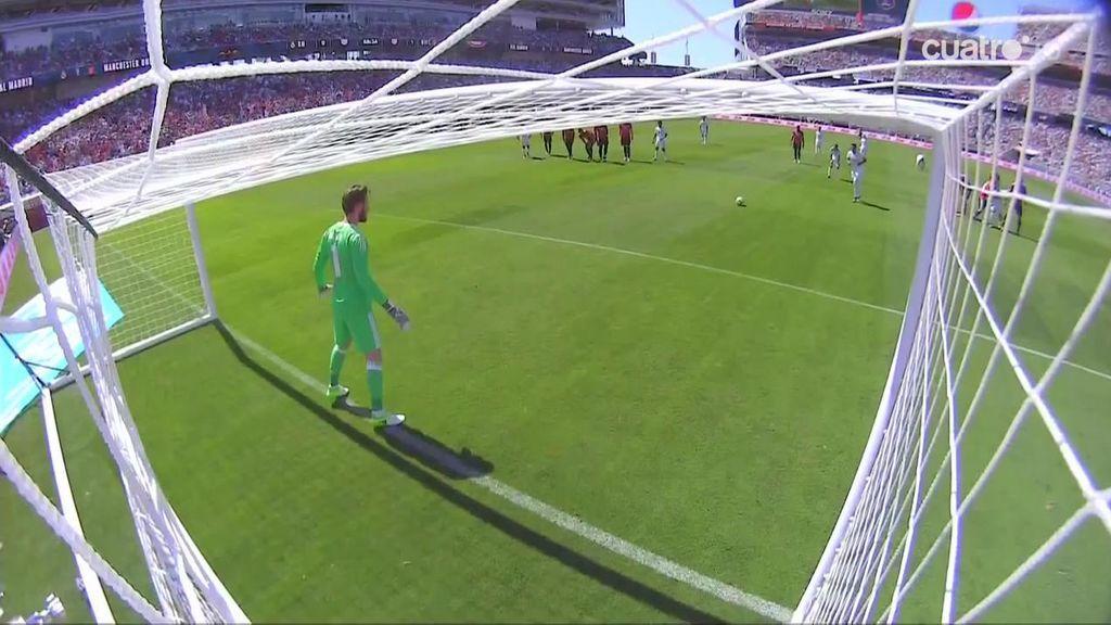Casemiro empata con un penalti que provocó Theo Hernández en su debut (1-1)
