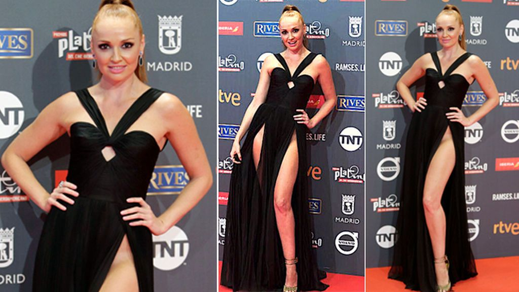 Hasta la ingle y más allá: el vestido con raja infinita de Cristina Castaño en los Premios Platino
