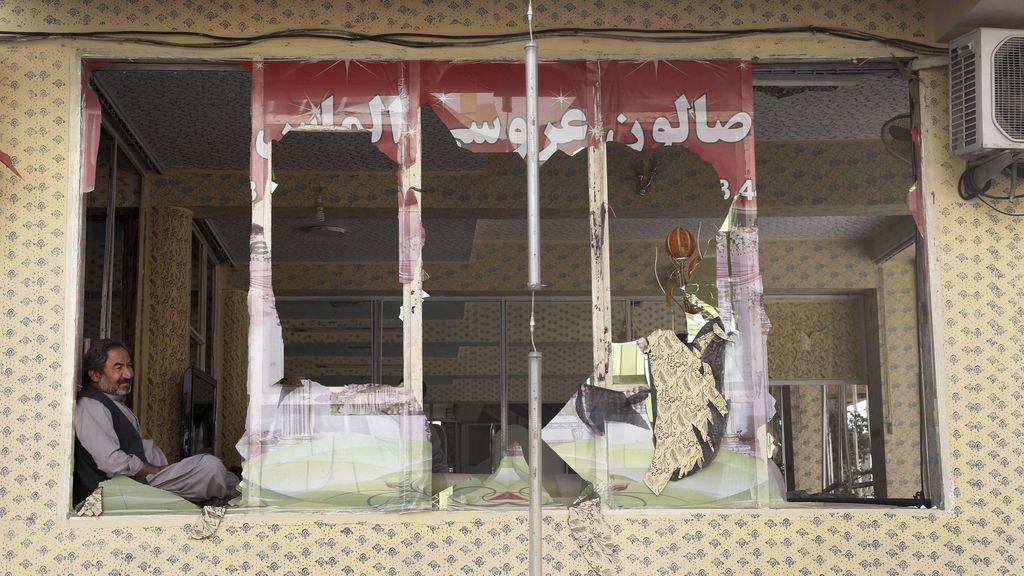 Talibanes reivindican el atentado suicida en Kabul