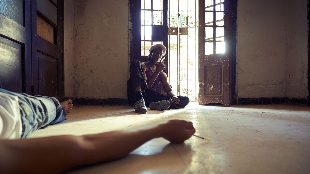 Una pareja se desmaya por una sobredosis de opiáceos delante de una niña de 2 años