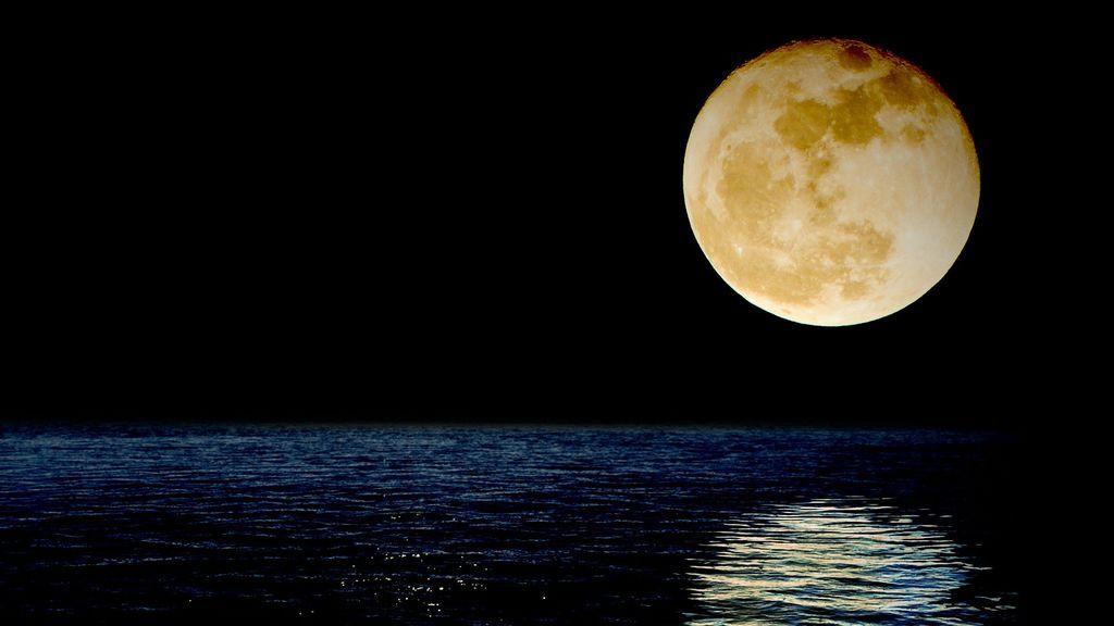 luna-1826849_1920