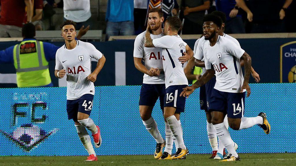 ¡Empata el Tottenham! Desmarque de Janssen al primer palo para marcar el segundo