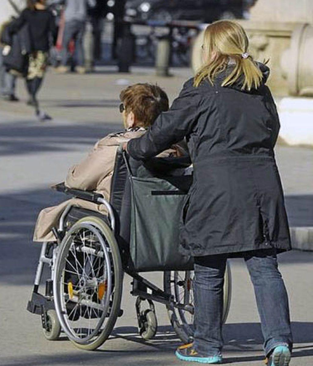 Casi 34.000 dependientes podrían morir este año sin recibir la prestación, según el Observatorio de la Dependencia