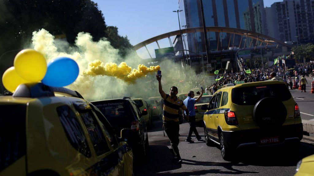 Protestas contra las aplicaciones móviles de transporte en Río de Janeiro