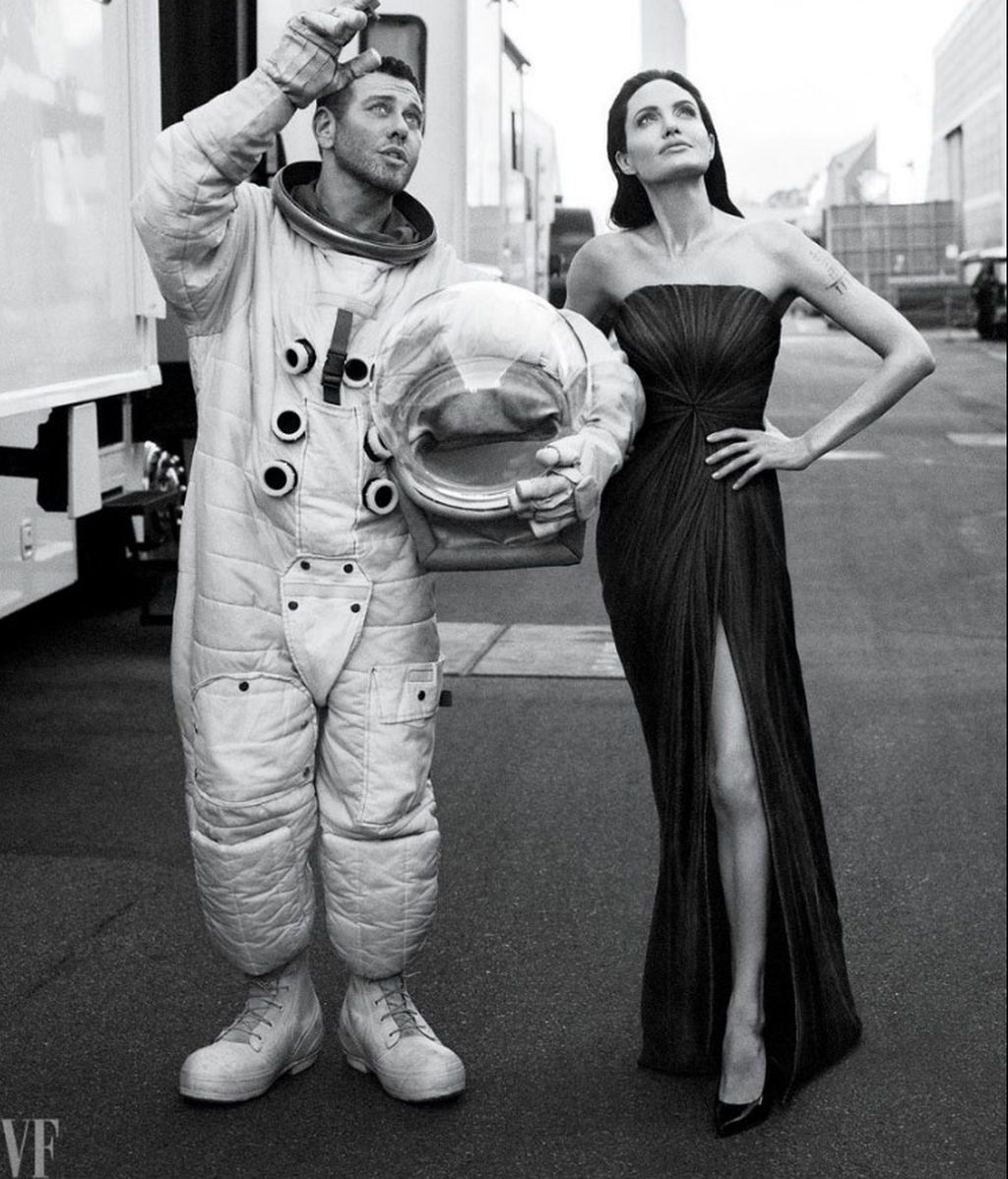 Angelina Jolie Mert Alas VF