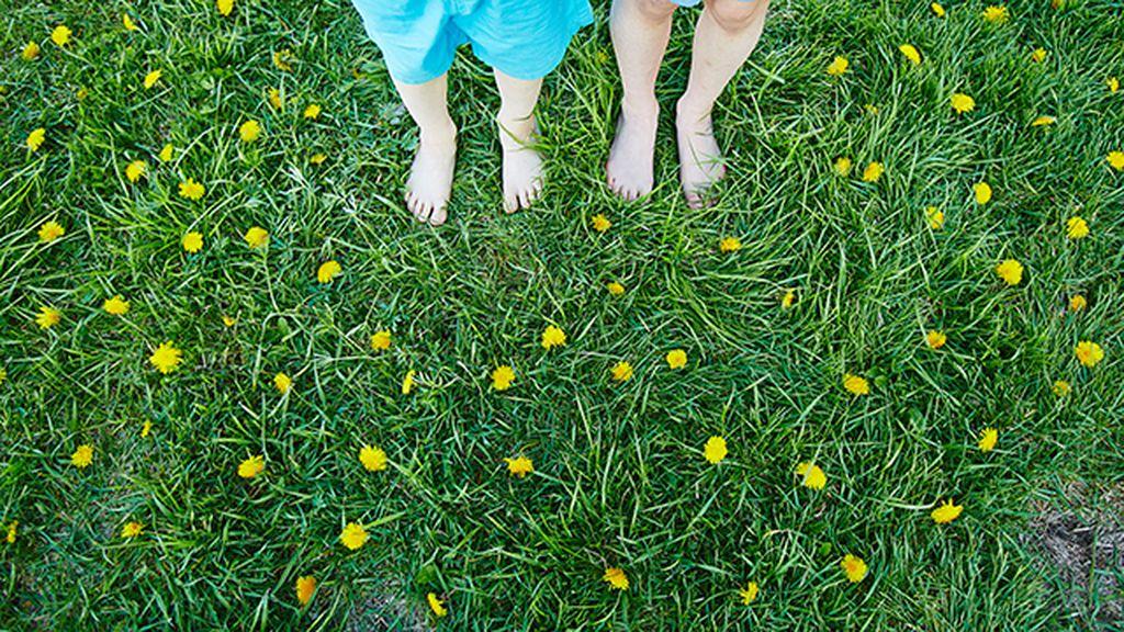 andar descalzos