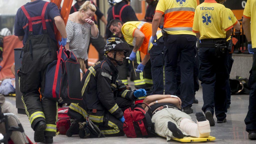 El herido grave en el accidente de tren en Barcelona tiene una contusión pulmonar