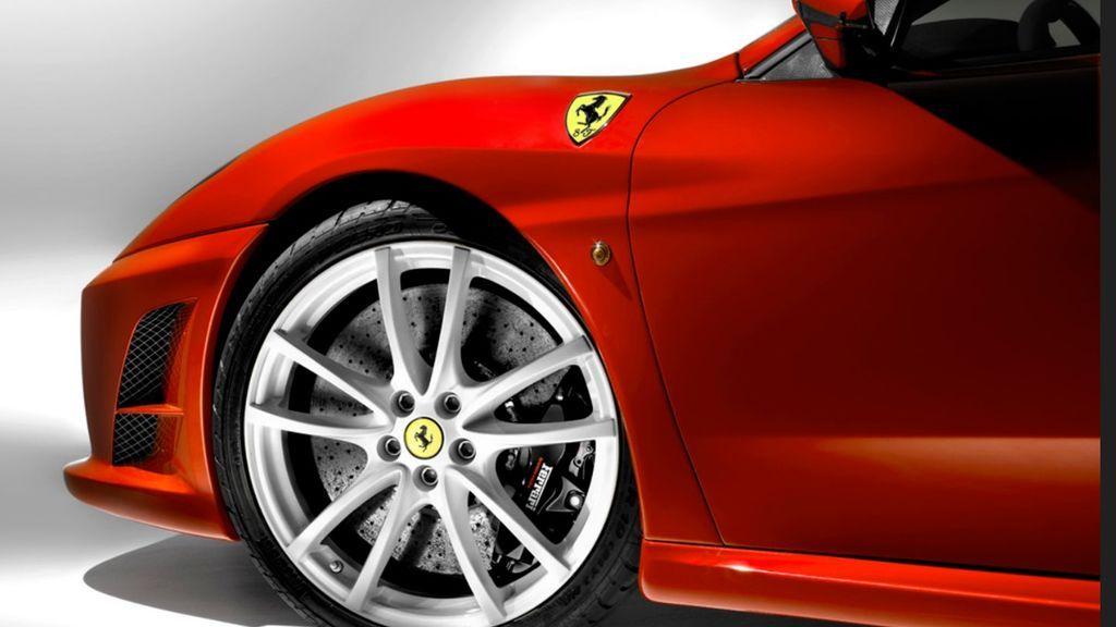 Así quedó este Ferrari tras un brutal accidente una hora después de ser comprado
