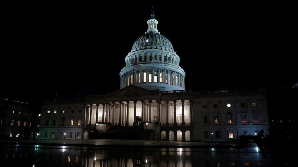 El Capitolio iluminado