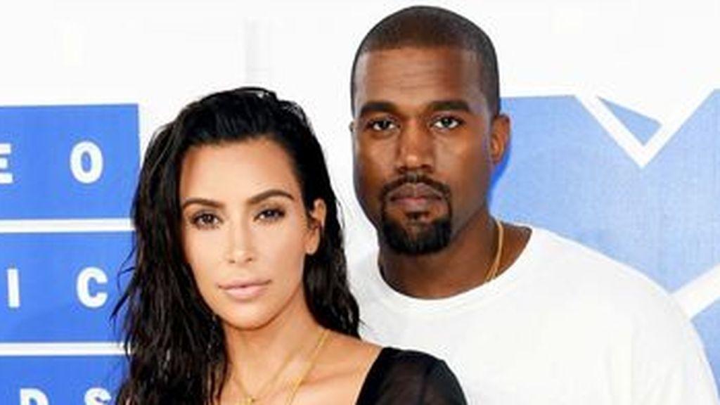Kim-Kardashian-Kanye-West_MDSIMA20170727_0078_42