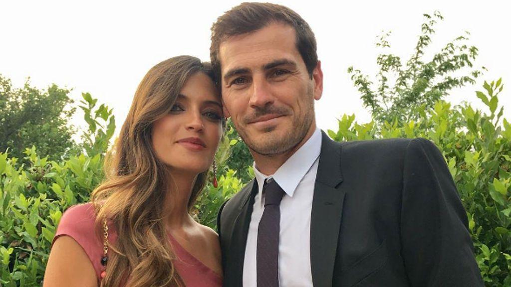 Iker Casillas se pone romántico con el último posado de Sara Carbonero