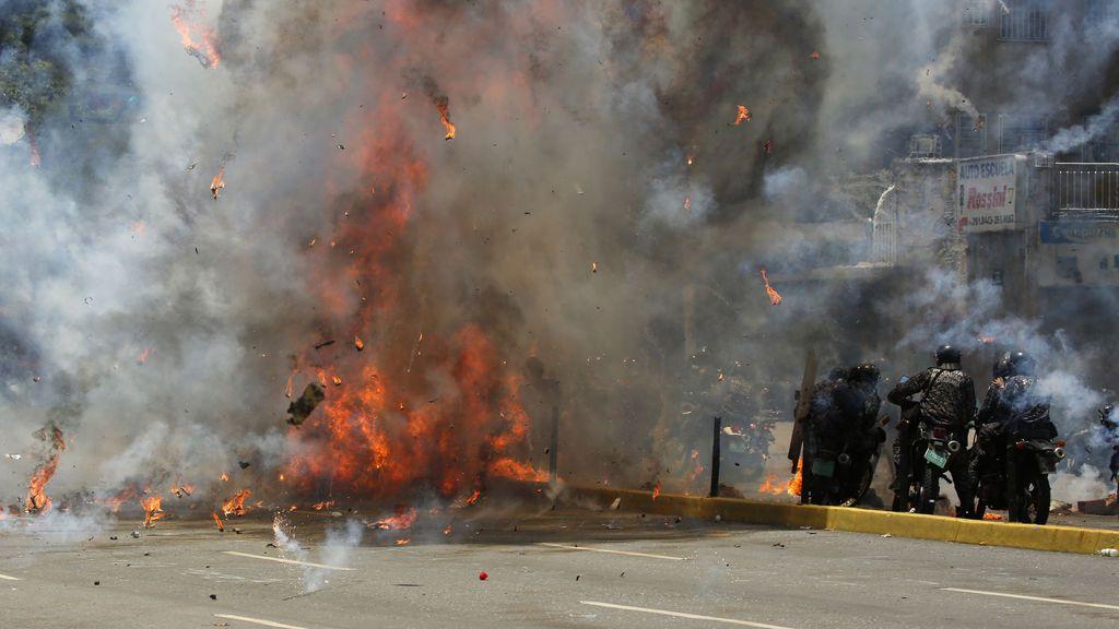 Heridos varios policías por una explosión en Caracas en las protestas por la Constituyente