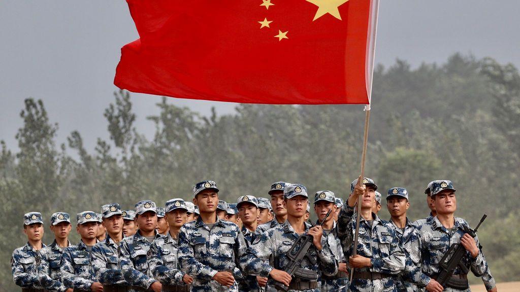 Ceremonia del pelotón de aereotransportadores en la provincia de Hubei