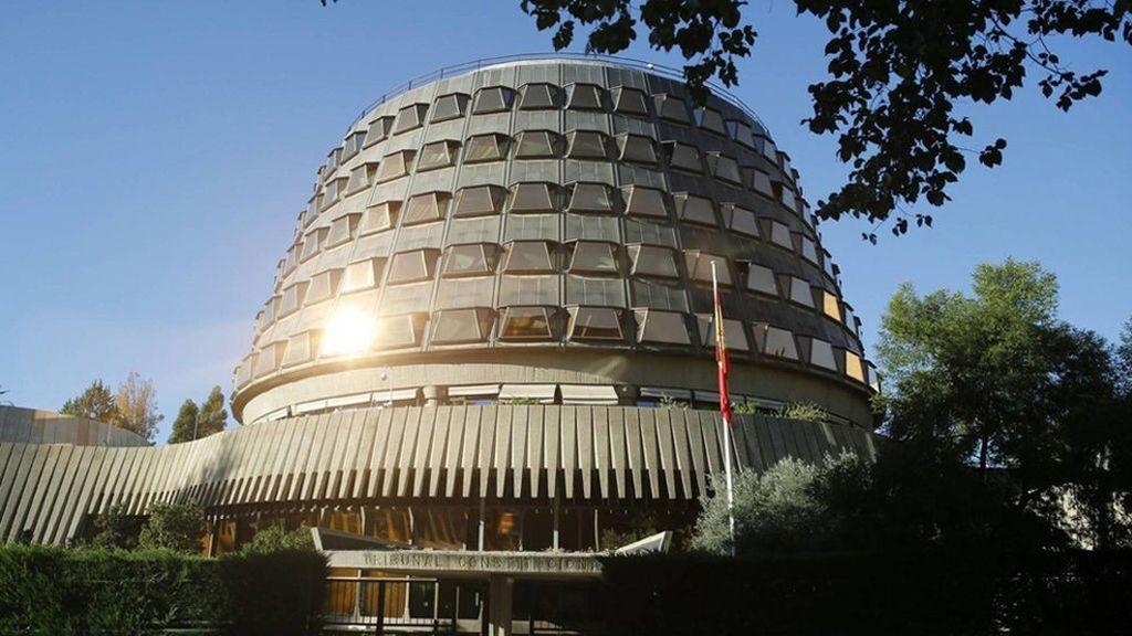 El TC suspende cautelarmente la reforma exprés del Parlamento de Cataluña