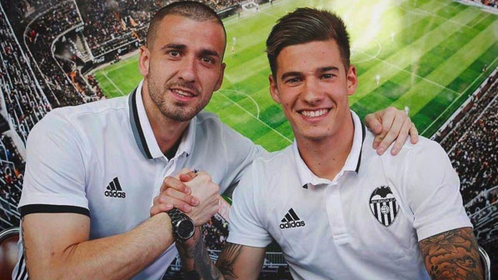 ¡Lío en la noche de Valencia! Dos futbolistas la arman en una discoteca: se encaran y amenazan al dueño y acaban expulsados