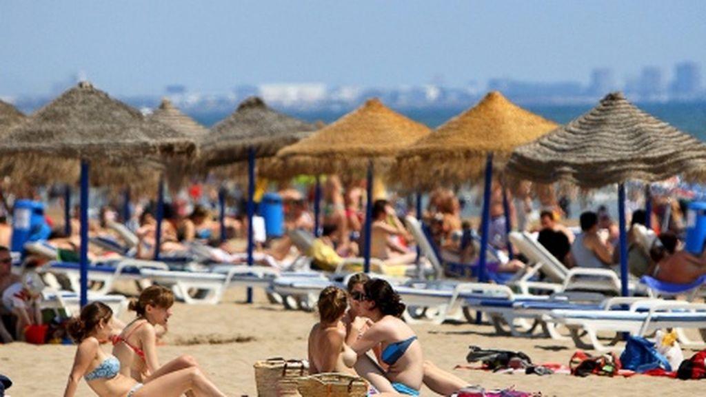 Una quincena de provincias en riesgo por altas temperaturas este lunes
