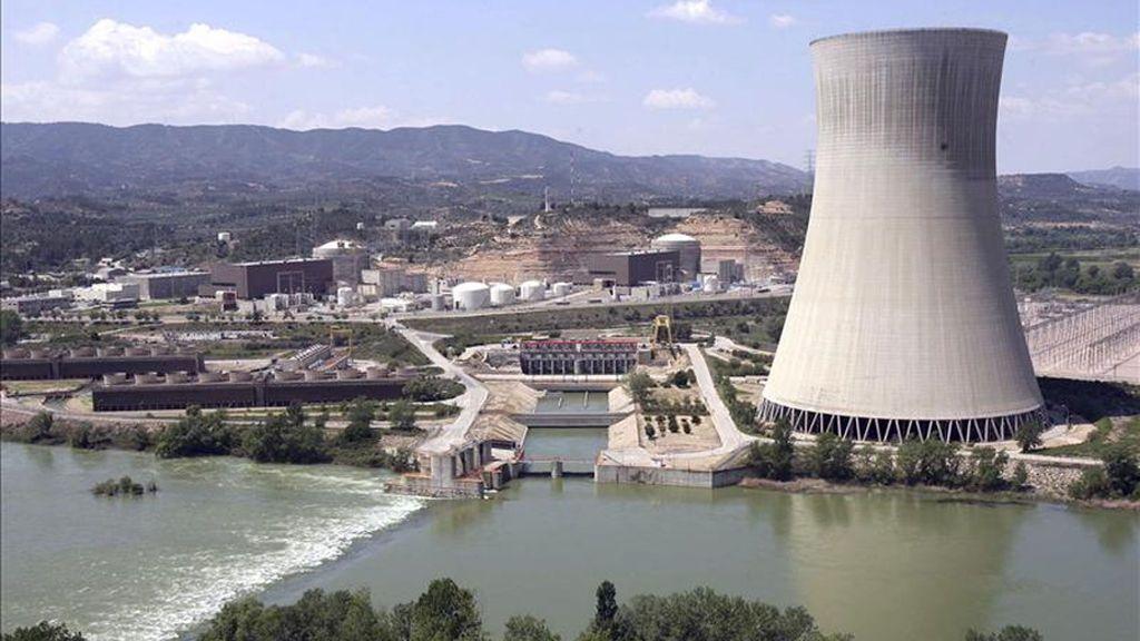 """UGT cree """"erróneo"""" y """"cobarde"""" el cierre y exige un plan de reindustrialización para la zona"""