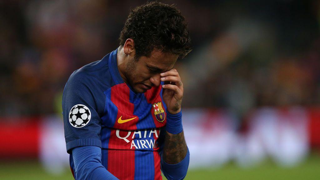 """Aparecen carteles contra Neymar en los alrededores del Camp Nou: """"Se busca traidor"""""""