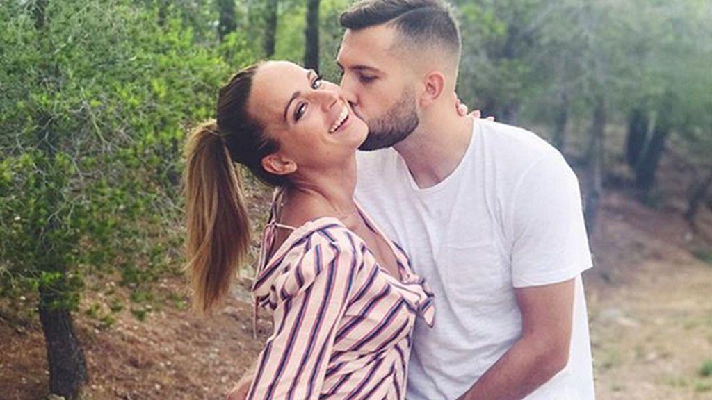 """Jordi Alba y Romarey Ventura confirman su embarazo: """"Rellena de mucho amor 👶🏼❤️"""""""