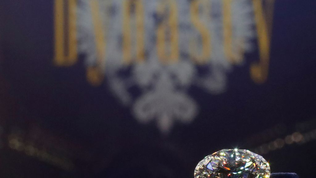 Presentación de una colección de diamantes tallados en Moscú, Rusia