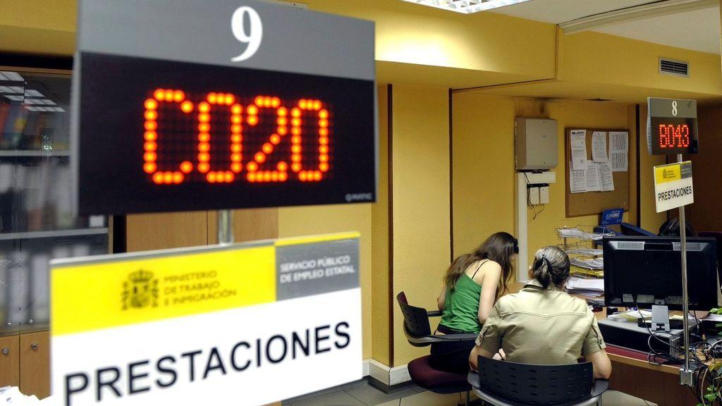 El paro baja en 26.887 desempleados en julio, mes de récord para la Seguridad Social