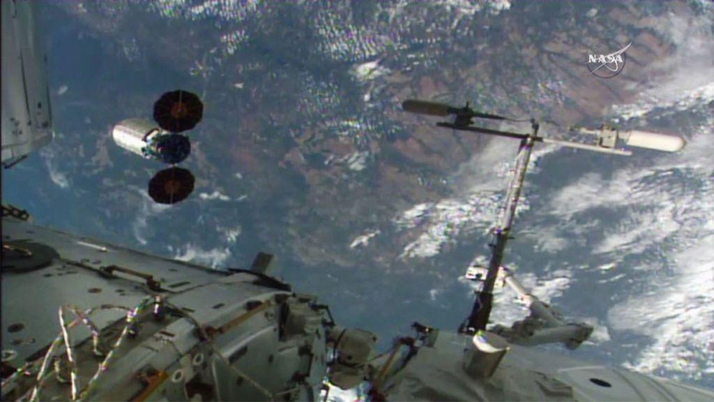 """El mejor trabajo más 'nerd' de mundo te lo ofrece la NASA: """"Oficial de protección planetaria"""""""