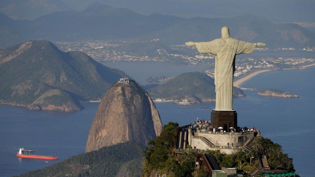 Cristo Redendor con Río de Janeiro al fondo
