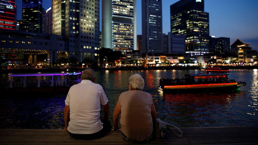 El distrito financiero de Singapur, iluminado