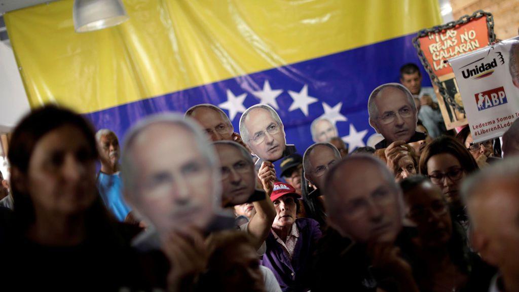 """La familia de Ledezma alerta de que el 'chavismo' podría colocar """"pruebas falsas"""" sobre un plan de fuga"""