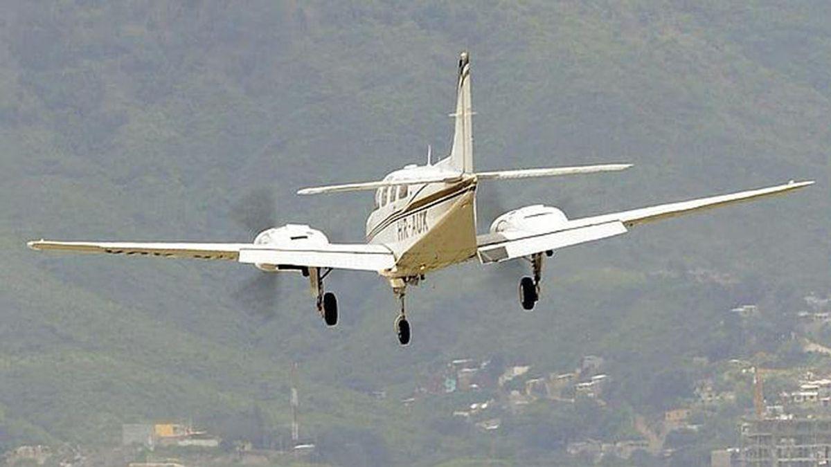 Dos adolescentes y el piloto mueren tras estrellarse una avioneta en un campamento suizo