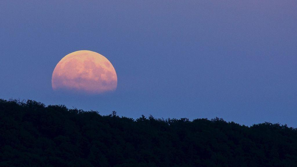 full-moon-914410_1920