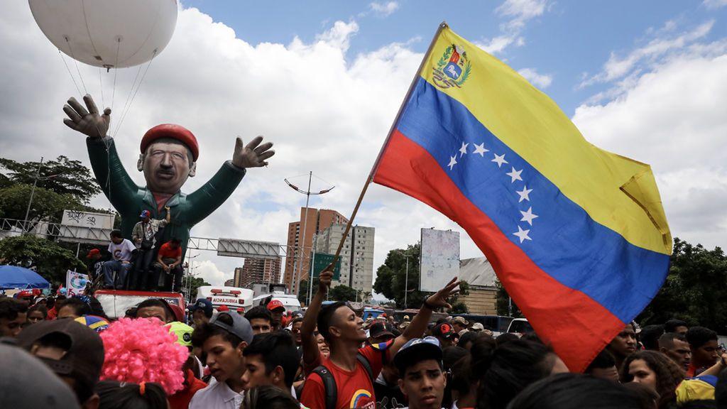 El 'chavismo' instala la Asamblea Constituyente pese a los llamamientos en su contra