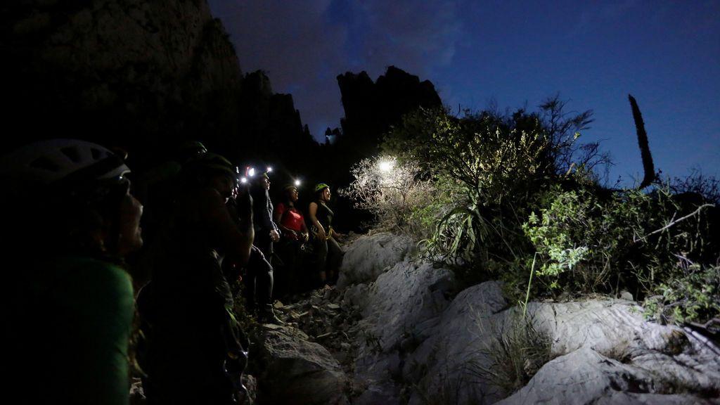 Turistas visitando el Cañón de La Huesca
