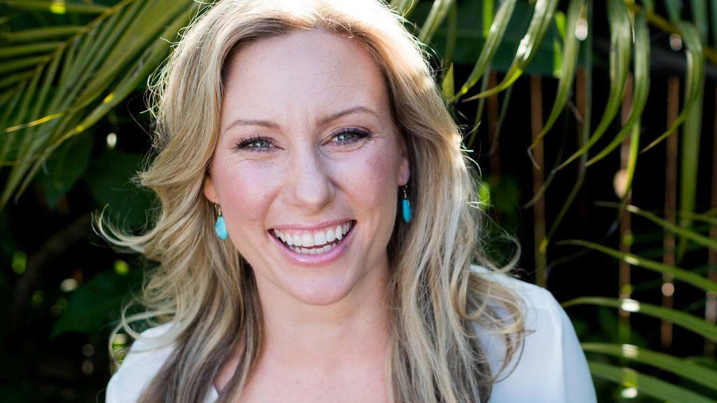 Investigan el caso de una mujer australiana que muere a manos de la policía