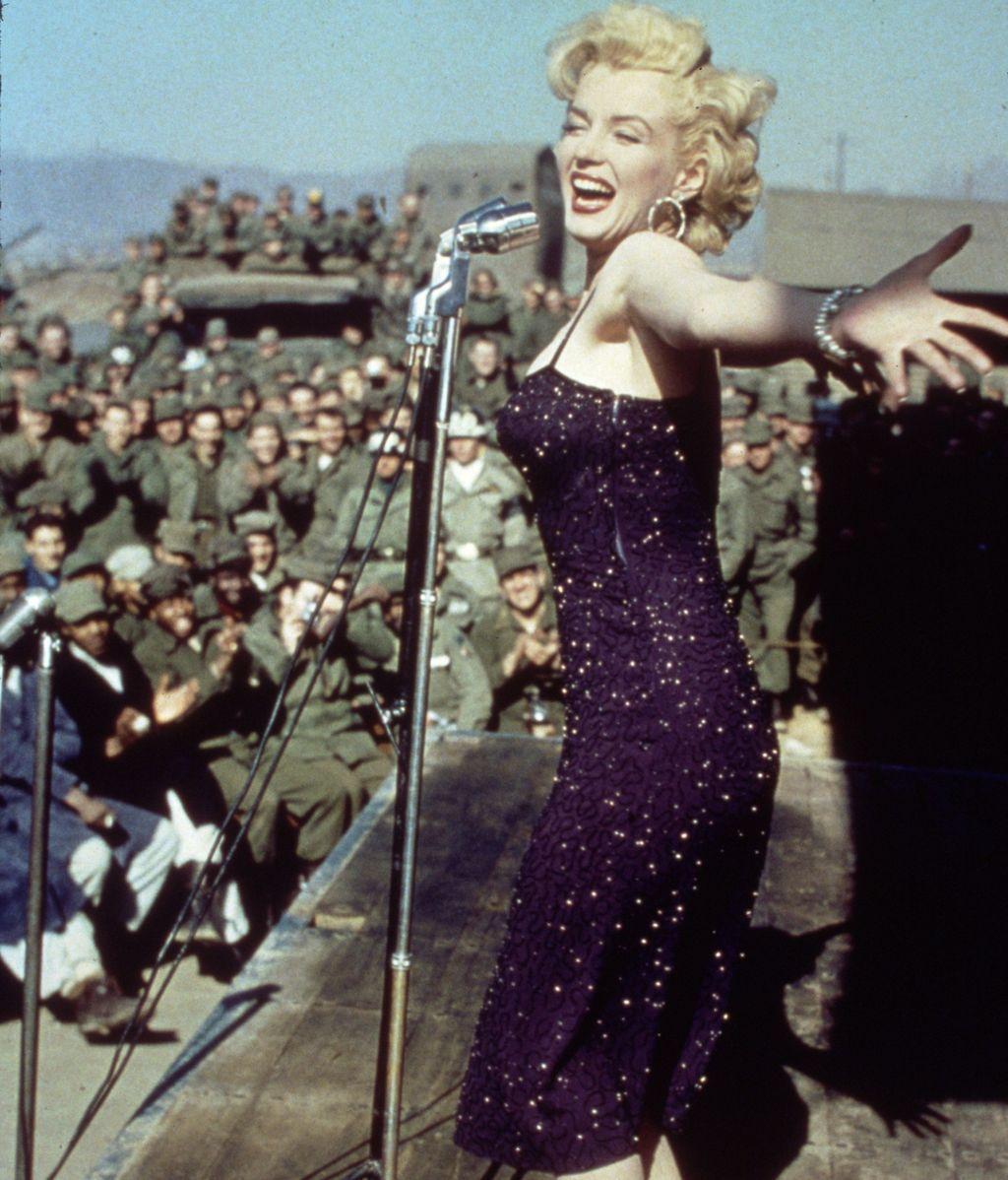 En sus películas desarrolló su faceta como cantante