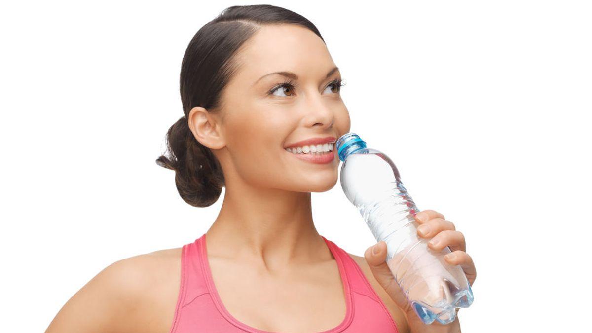 Ocho cosas que te pasan cuando no bebes suficiente agua