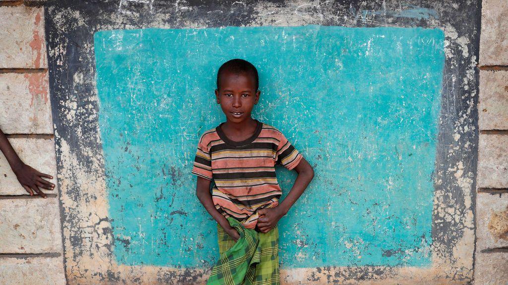 Un niño samburu en un centro de votación en un pueblo cerca de Baragoy, Kenya