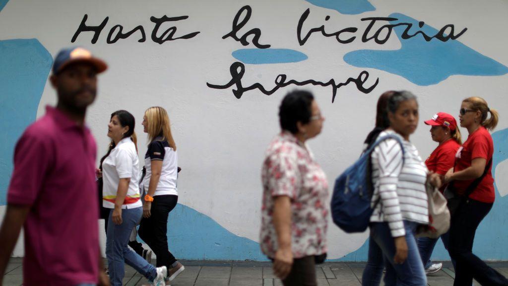"""Graffiti """"hasta la victoria siempre"""" en Caracas, Venezuela"""