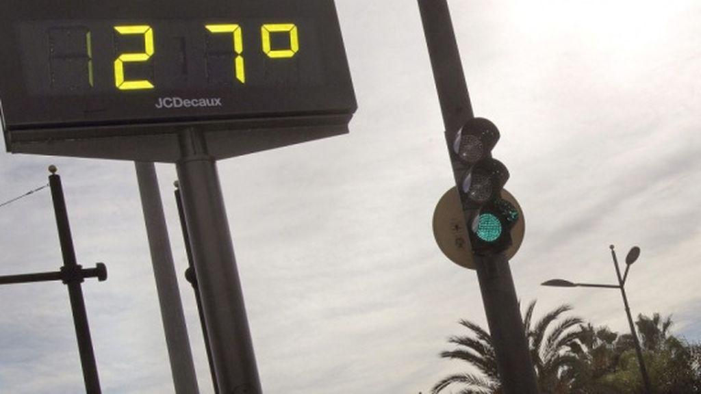 Los termómetros bajan hoy, aunque diez provincias están en alerta por calor
